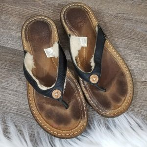 Uggs Sheepskin Flip Flops Sandals Hamona Brown